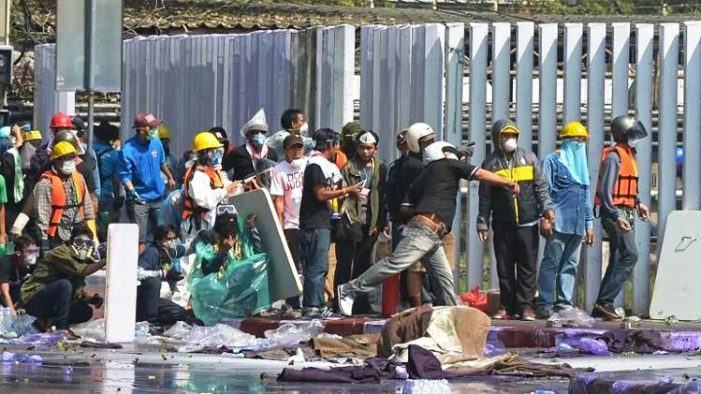 Protester Shot Dead as Violence in Bangkok Continues