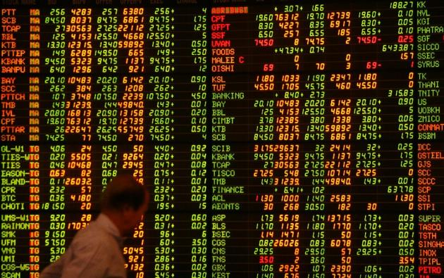 Thai Baht Plunges, Shares Sink in the New Year