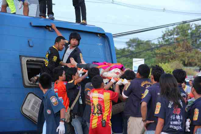 Bus Accident in Chaing Mai Leaves 28 Tourists Injured