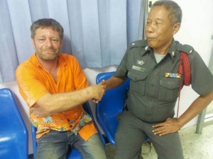 Irishman found lost in Thalang, with no memory of how he came to be there - See more at: http://www.thephuketnews.com/irishman-found-lost-in-thalang-with-no-memory-of-how-he-came-to-be-there-44362.php#sthash.800HHzs2.dpuf