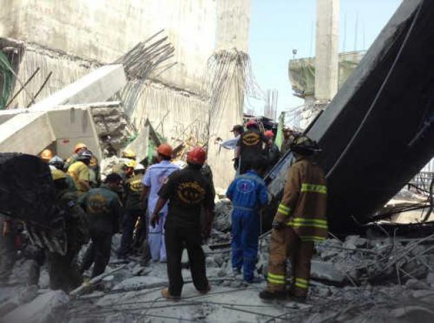 A four-storey building under construction at a hospital in Samut Prakan's Bang Pli district collapsed on Tuesday, killing ten workers and injuring several others