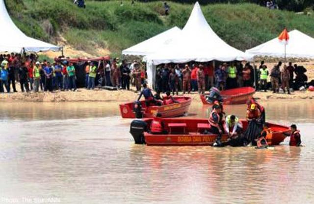 Eight Teens Drowned in the Muar River in Malaysia