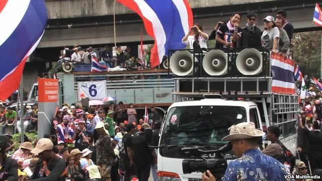 Protests Splitting Thai Families – VIDEO