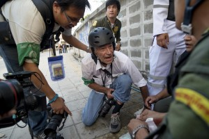 James Nachtwey, legendary photojournalist, shot and wounded in Thailand
