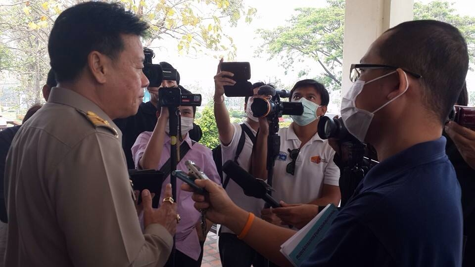 Updated March 28, 2014 -- 08:57 GMT (15:57 HKT) Search Citylife Bookshop - Ceramics and Thai Stories Breaking News Governor asks Media Not to Wear Face Masks or write about Pollution as it Creates Bad Image - Chiang Mai Netizens Furious