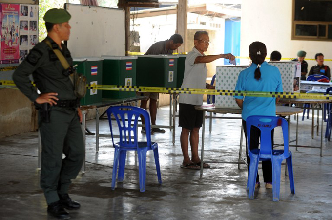 Thailand Re-Runs Polls as Protests Dwindle, Red Shirts Amass in North