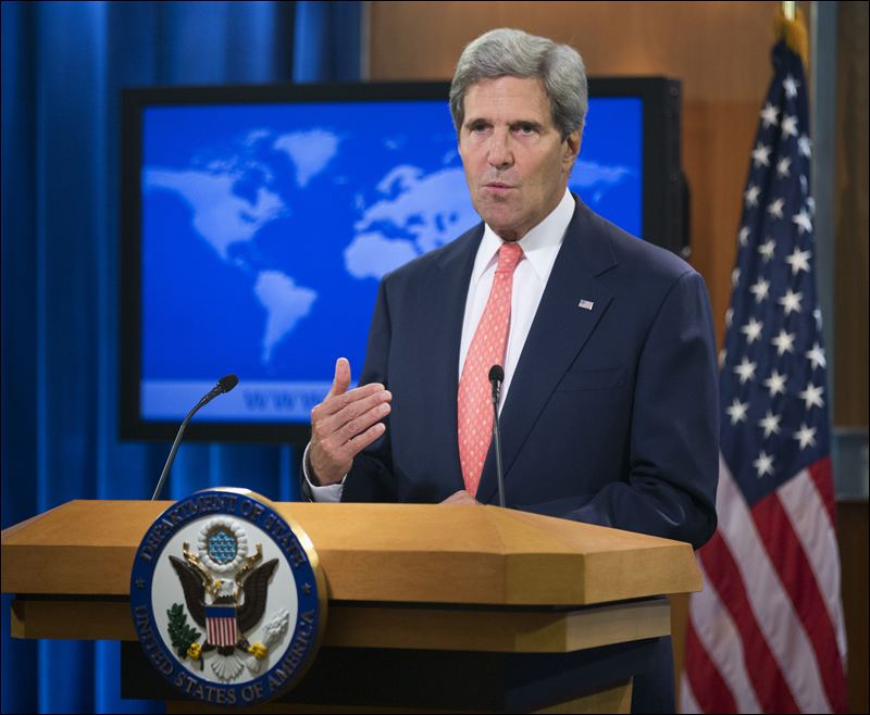 "US Secretary of State John Kerry has expressed ""deep concern"" about the violence in Thailand"
