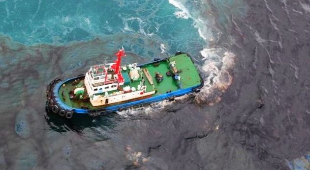 Oil Tanker Sinks, Leaking Oil into the Gulf of Thailand