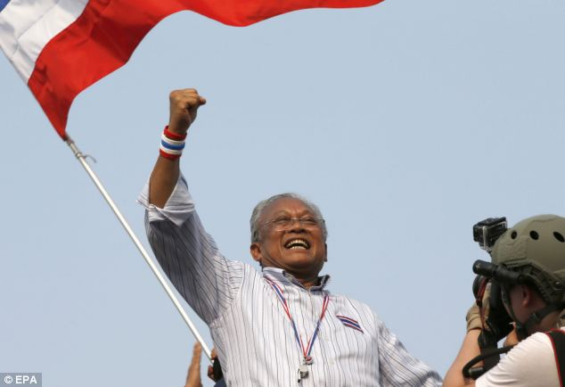 """Suthep To Seek """"Royal Approval"""" to Control Thailand as a Sovereign Body"""