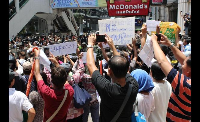 Defying the Army's Orders, Anti-Coup Protests are Popping up in Bangkok
