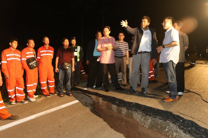 Five Days to Repair Earthquake Damaged Roads In Chiang Rai
