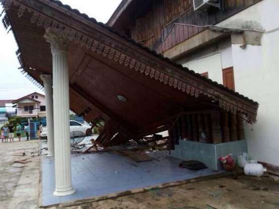 The picture below (courtesy Twitter account @Mtjunerr)  House damaged Chiang Rai