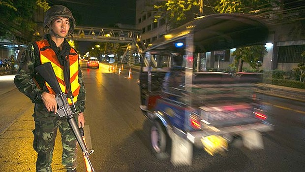 Thailand Military Junta Relaxes Curfew Hours