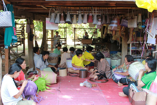 Some Chiang Rai Students Start School Term in Makeshift Classrooms