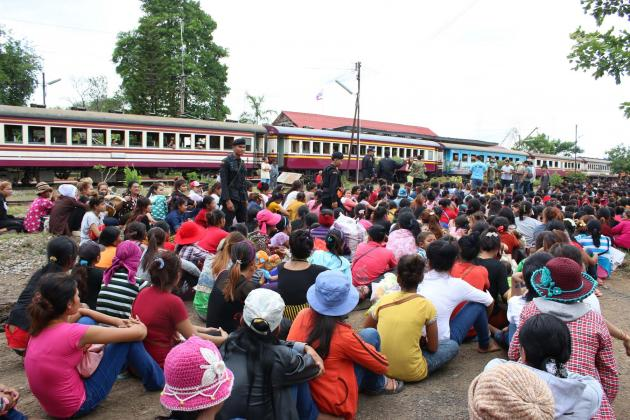Tens of Thousand's Cambodian Migrant Workers Leave Thailand in Past Seven Days