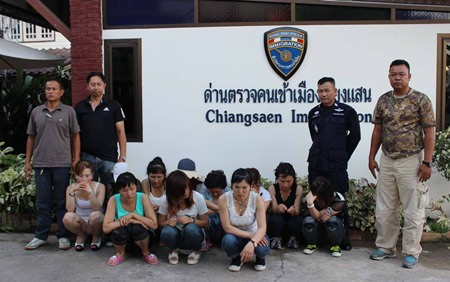 15 North Korean nationals were brought to Chiang Saen immigration for interrogations