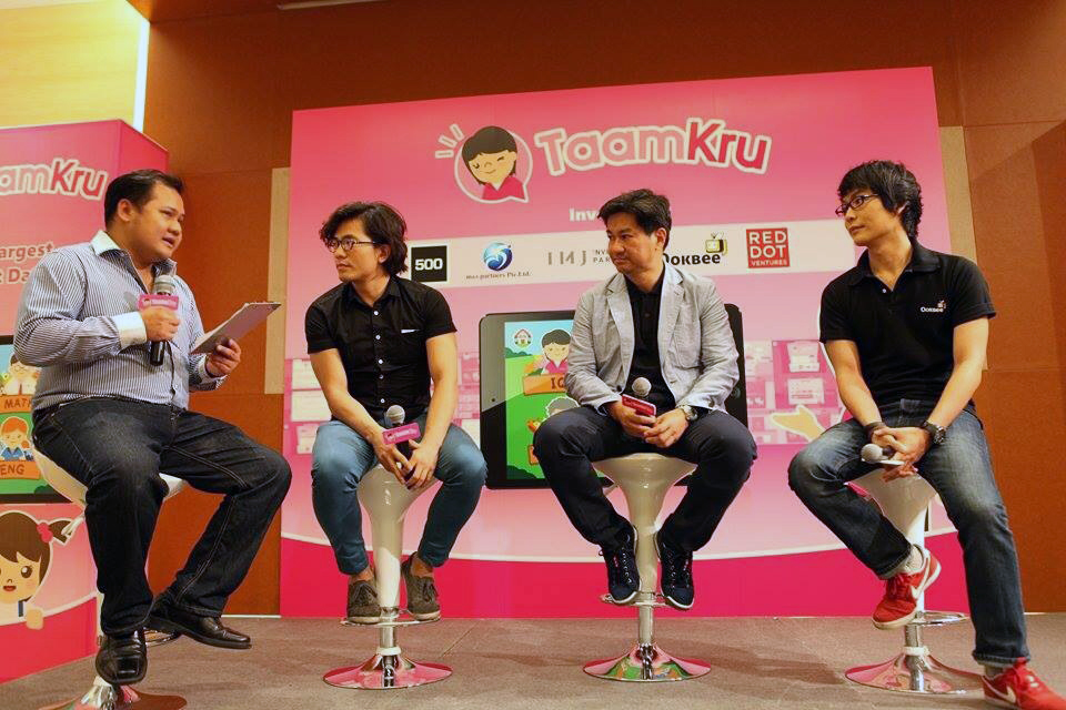 Right to left: Moo Natavudh from Ookbee, Leslie Loh of Red Dot Ventures, Khailee Ng of 500 Startups. Read more: Taamkru plans to fix Thailand's 'disgracefully bad' education system, raises seed money http://www.techinasia.com/taamkru-plans-fix-thailands-disgracefully-bad-education-system-raises-seed-money/