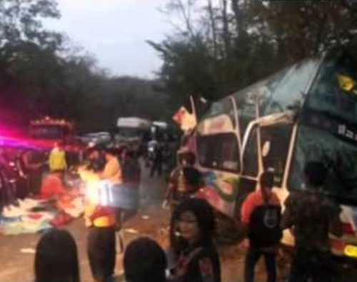 Bus Crash in Phayao Kills 4 including Monk