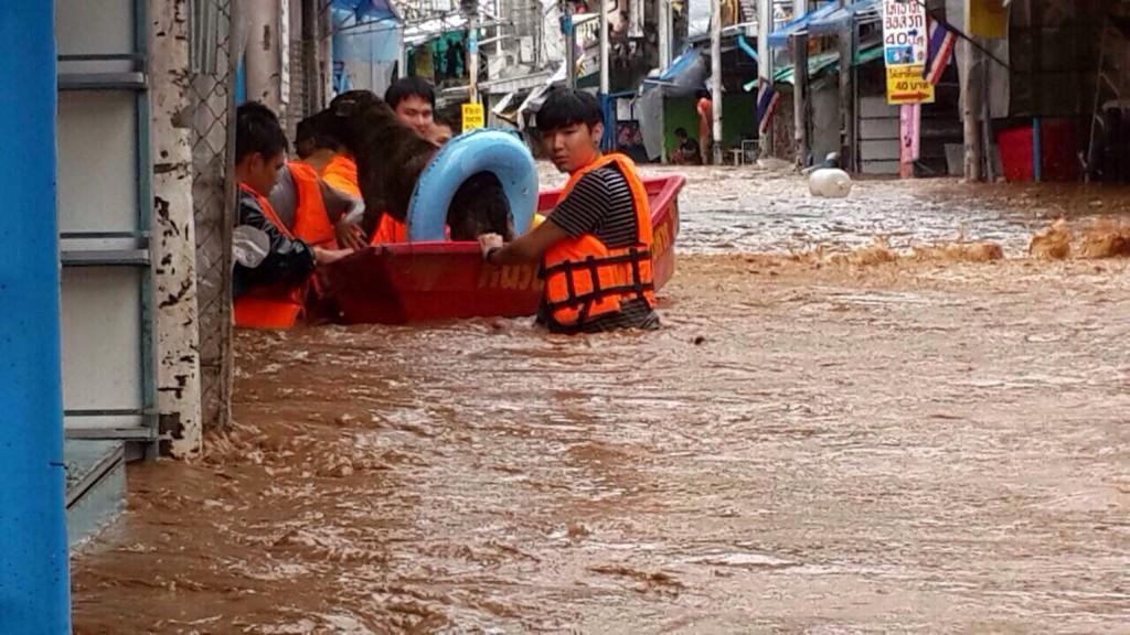 Deep floods in parts of Mae Sai (แม่สาย), Chiang Rai
