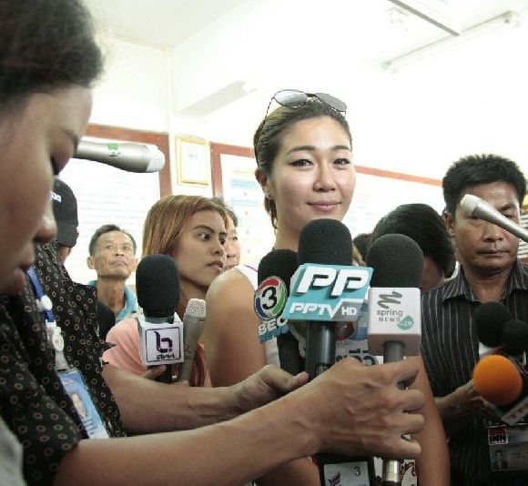 Keiko Matta, 31, calls for police to re-open a probe into the death of her father, Kasitosi Tanaka. He was the ex-husband of Ms Pornchanok.