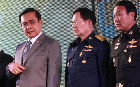 Thai Prime Minister General Prayuth Chan-ocha (left) presides over the closing ceremony of an army training course this week.