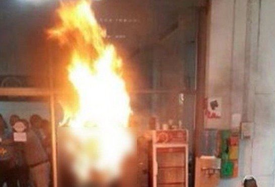 Sangvean Raksapet, 52, from central Lop Buri province, was rushed to hospital with severe burns after she set herself alight in a state-run complaints centre opposite Government House, leaving shocked officials to put out the flames. - See more at: http://news.asiaone.com/news/asia/thai-woman-sets-herself-fire-over-debts#sthash.mG7l3qMC.dpuf