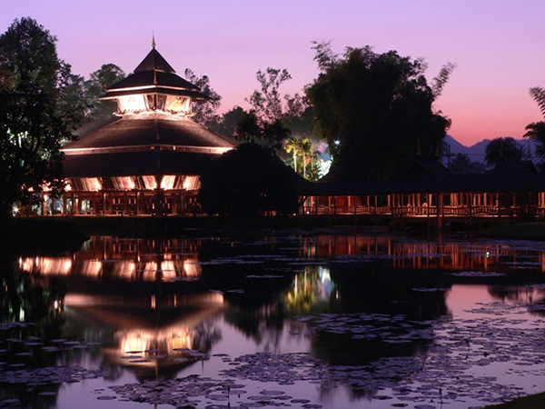 Candlelight Museum at Mae Fah Luang Park in Chiang Rai Opens December, 2014, to 31 January, 2015.