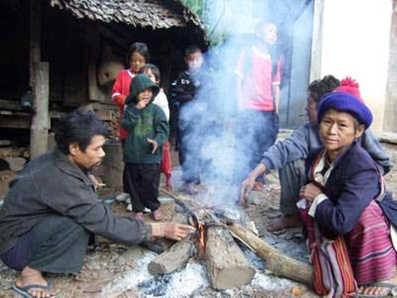 Temperatures have dropped continuously in Thailand's northern region, prompting locals to gather firewood in order to keep themselves warm.