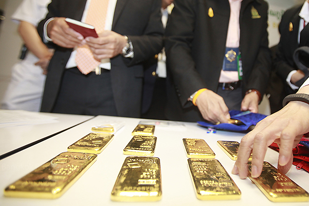 Chiang Rai Authorities in Mai Sai, Seize 5.2kg in Gold and Jade