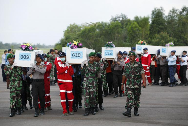 So far recovery teams have found 30 bodies, Chiang Rai Times