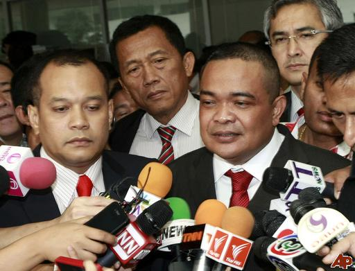 """Red Shirt Leader Accuses Thailand's Junta of Trying to """"Invoke a 'Fight"""""""