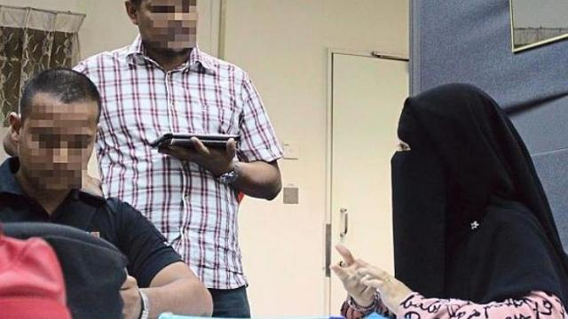 Malaysian Authorities Stop 14 Year Old Girl from Flying to Syria to join Isis