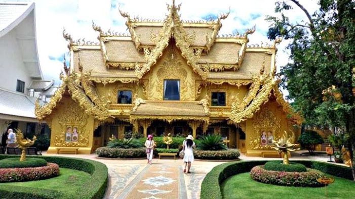 Chiang Rai's White Temple Refuses Chinese Tourists for Bad Toilet Manners