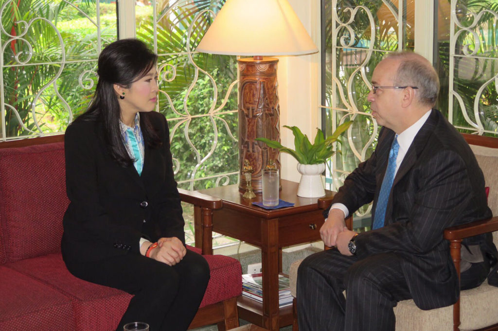Former PM Yingluck Shinawatra with US Assistant Secretary of State for East Asian and Pacific Affairs Daniel Russel at the official residence of the US