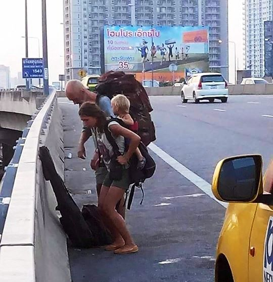 Foreign Couple and Baby Abandoned by Taxi on Bangkok Tollway