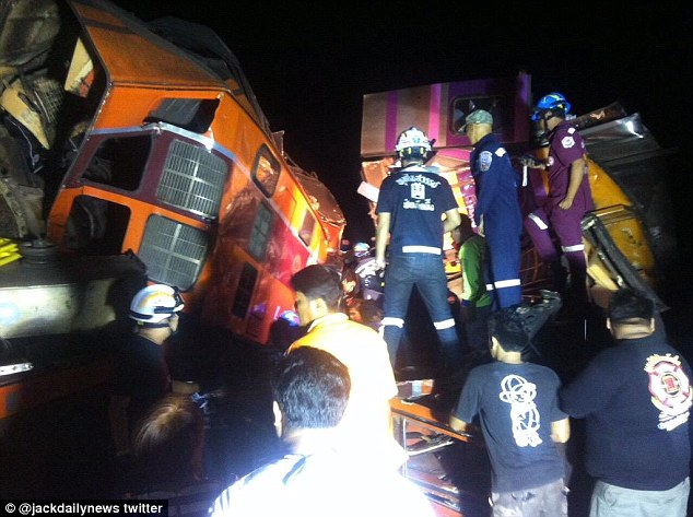 22 People Injured after Two Trains Collide in Ayutthaya,Thailand