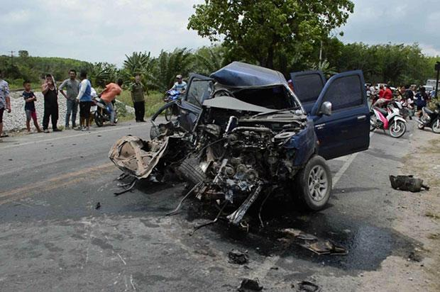 Pickup Collides with Train in Trang, Thailand, That's Three in One Week?