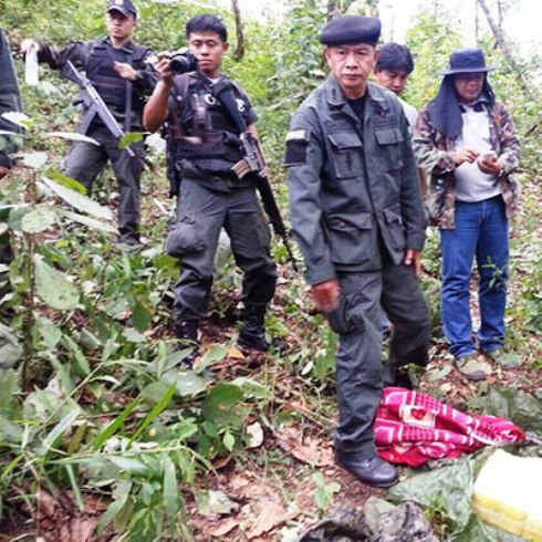 The traffickers left behind two motorcycles and the drugs but managed to escape into the jungle.