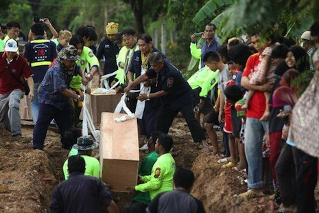 Thai Police Arrest Three Local Officials over Migrant Mass Grave in Songkhla