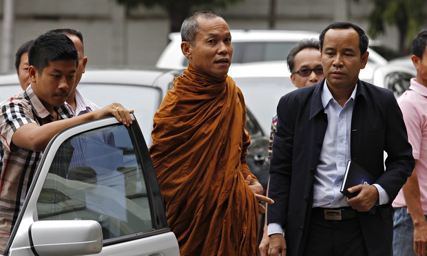 Thailand's Phra Buddha Issara tries to Reform Thailand's Buddhist Monks Behaving Badly