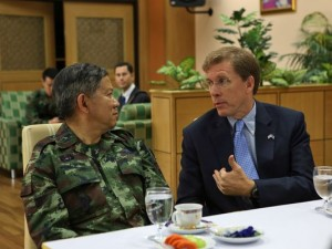 W. Patrick Murphy, Charge d'affaires ad interim at U.S. Mission Thailand, right, and Gen. Wuttinun Leelayudth, deputy chief of defense forces for Thailand
