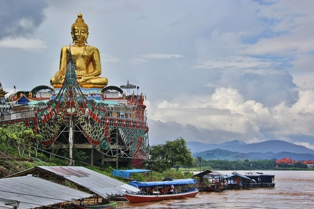 A temple on the banks of the Mekong River in the Golden Triangle in Chiang Saen, northern Thailand,