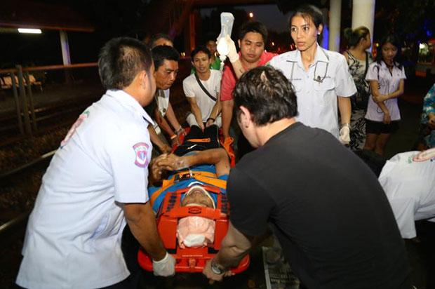 Injured seriously are Miss Pama Sarah Loh Mae, 25, Miuss Calinawan Monnaliza Kay, 24, and Miss Mae Dumaguin, 25. They were rushed to Chularat 11 and Bangpakong hospital by highway rescuers