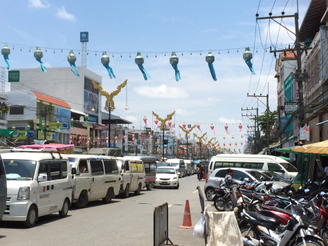 Mae Sai District has been packed with vehicles