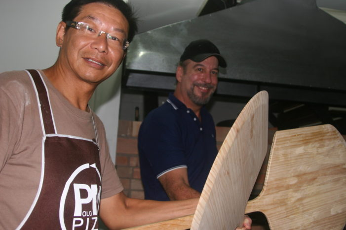 Polo Marco Serving Chiang Rai with Perfect New York Pizza