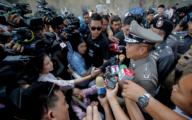 Two Bangkok Bombing Suspects turn themselves in to Thai Police