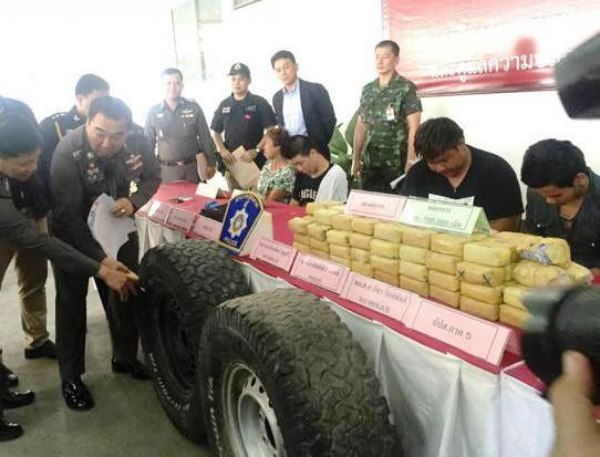 Chiang Rai's Mae Suai Police find 260,000 Meth Pills in Toyota Fortuner's Spare Tires