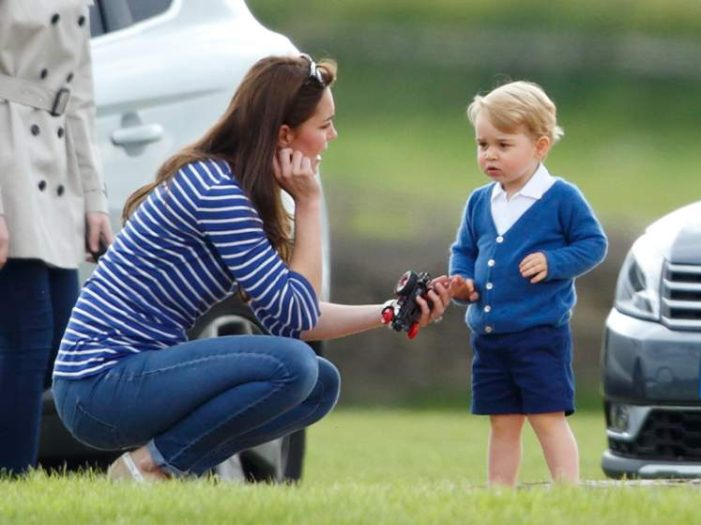 British PM Backs William and Kate's Warning over attempts to Photograph Prince George