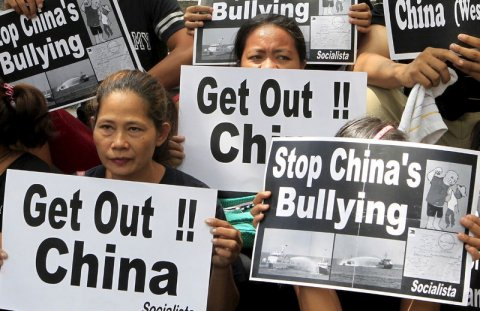 outside the Chinese Consulate in Makati City, Philippines Read more: http://www.businessinsider.com/r-china-lobbies-hard-ahead-of-manilas-south-china-sea-arbitration-case-2015-7#ixzz3iPpghOQX