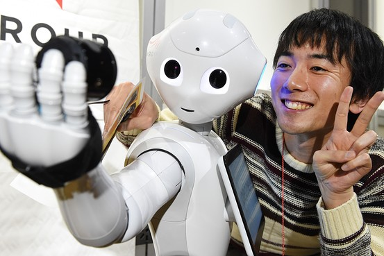Pepper is meant to interact with humans and read emotions, as well as recognize faces. Its functions are still limited, but impressive nonetheless